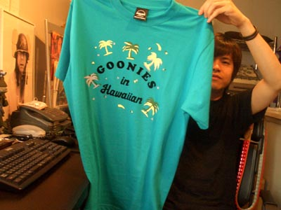 GOONIES in HAWAIIAN Tシャツ