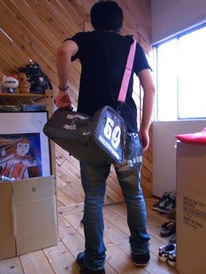 NIEK IDのバッグ着用画像